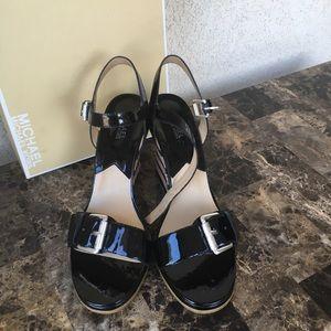 Michael Kors pacific sandals color black size 11